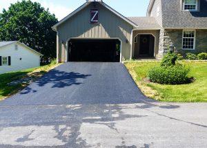 residential_asphalt_paving_driveway